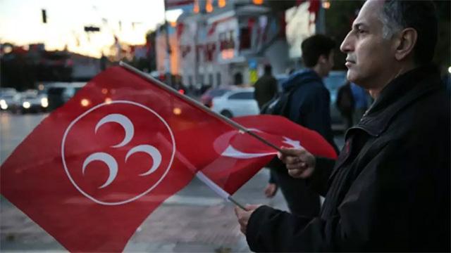 CHP'de Meral Akşener'e destek istifası