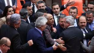 Mahkeme kararını tanımayan Erdoğan'a sert tepki