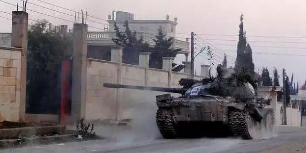 IŞİD militanları Türkiye sınırına dayandı!